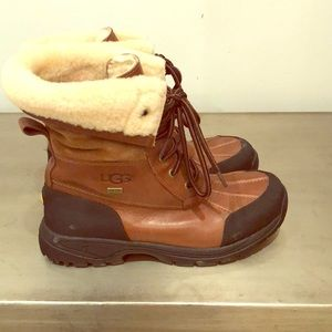 Ugg winter snow boots.